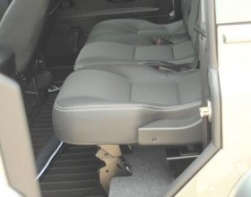 Land Rover Carpet Lined (10) (Copy)