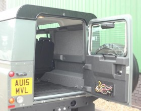 Land Rover Carpet Lined (4) (Copy)