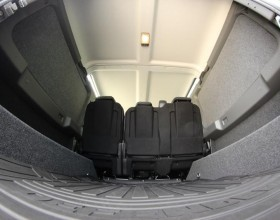 Land Rover Carpet Lined (8) (Copy)