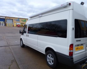 Window Fitting Ford Transit (1) (Copy)
